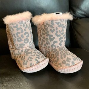 NWOT Uggs for baby